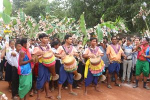 Flower Fundraising Ceremonies - Bon Phkar Brak